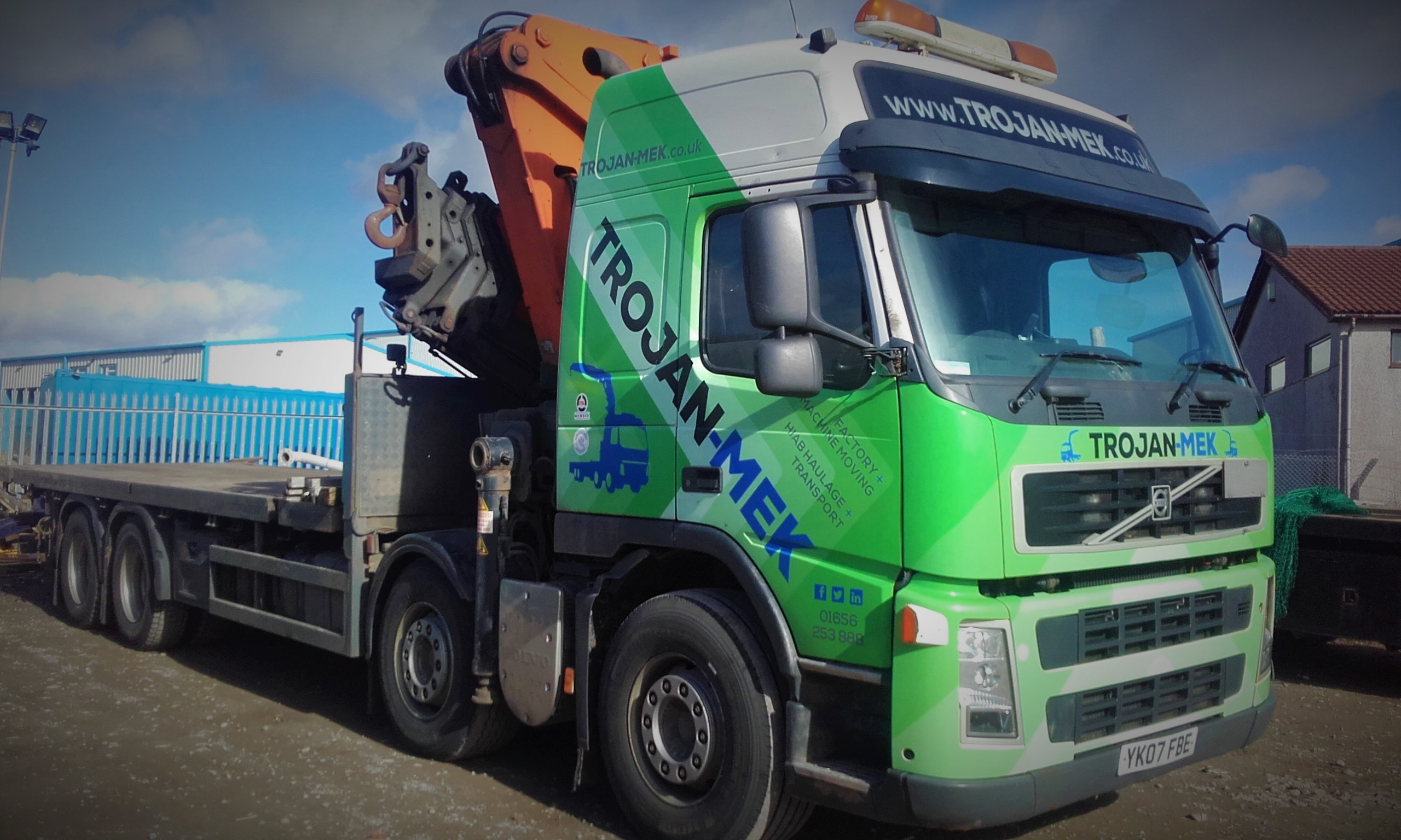 industrial machinery movers - heavy moving and hiab haulage